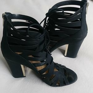 Black&Gold tie up heels by CALL IT SPRING